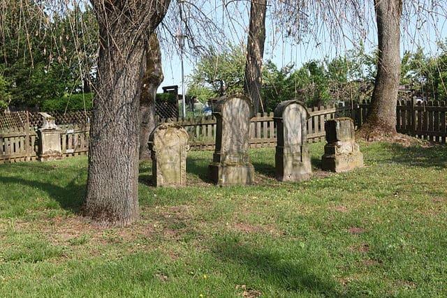 Coburg-Friedhof-Grabmal-Steinmetz