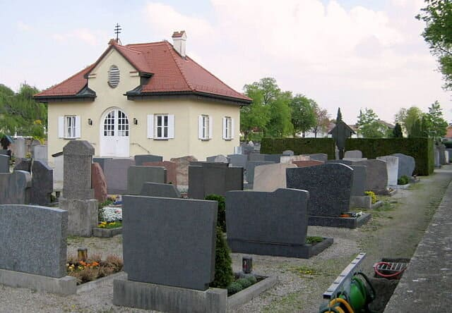 Alter Friedhof-Olching-Grabstein