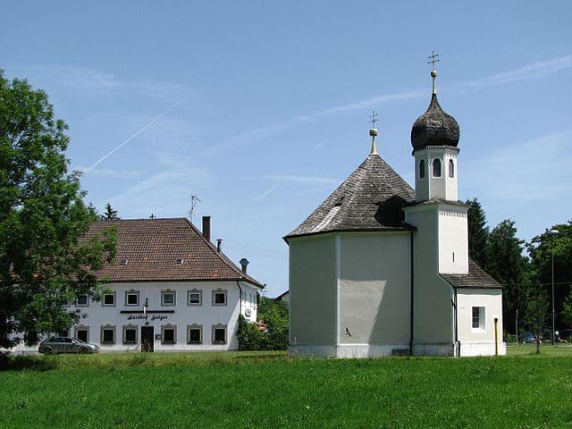 Geretsried Kirche-Grabsteine