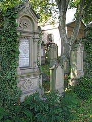 Neustadt-Friedhof-Jüdisch-Grabstein