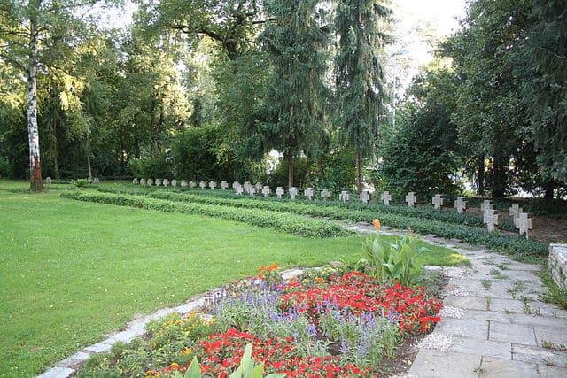 Speyer-Ehrenfriedhof-Steinmetz-Messerschmidt