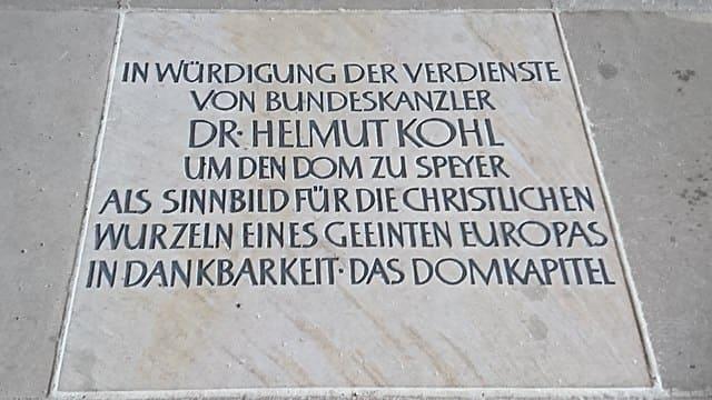 Helmut Kohl-Grabstein-Friedhof