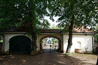 Rodgau-Friedhof-Steinmetz-Messerschmidt