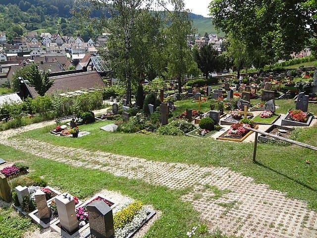 Friedhof-Backnang-Grabsteine