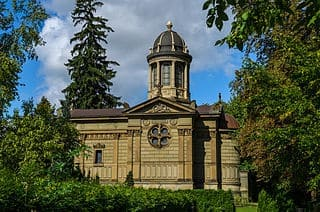 Geislingen-Friedhof-Kapelle-Grabsteine