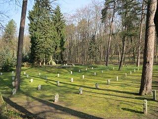 Neustrelitz-Friedhof-Grabsteine