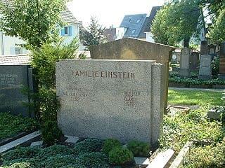 Laupheim-Grabstein