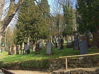 schöne Grabsteine in Hechingen Steinmetz Urnengrab Einzelgrab Doppelgrabstein schöne Grabmäler