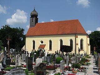 schöne Grabsteine in Wolfratshausen Steinmetz Urnengrab Einzelgrab Doppelgrabstein schöne Grabmäler