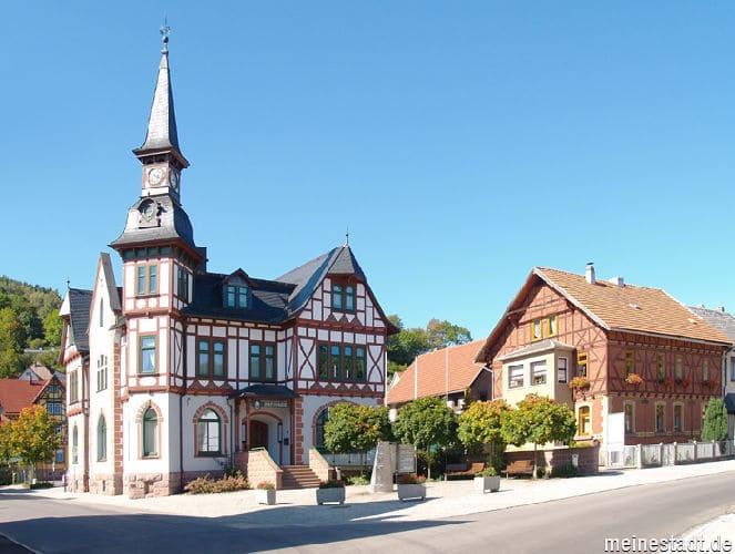 Steinbach-Hallenberg-Steinmetz-Grabstein-Grab