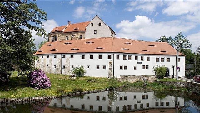 schöne günstige Grabsteine in Radeberg Steinmetz