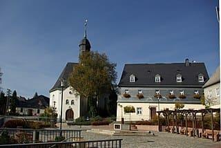schöne günstige Grabsteine in Lauter-Bernsbach