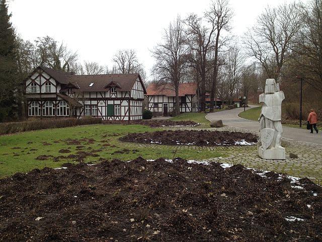 schöne Grabsteine in Vellmar Steinmetz Urnengrab Einzelgrab Doppelgrabstein schöne Grabmäler
