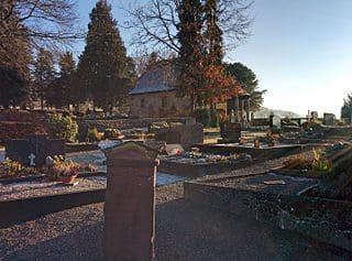 schöne günstige Grabsteine in Michelstadt Steinmetz Urnengrab Einzelgrab Doppelgrabstein schöne Grabmäler