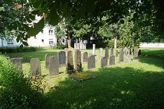 schöne günstige Grabsteine in Schlüchtern Steinmetz Urnengrab Einzelgrab Doppelgrabstein schöne Grabmäler