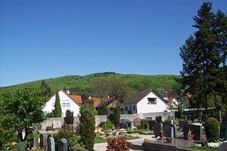 schöne günstige Grabsteine in Seeheim-Jugenheim Steinmetz Urnengrab Einzelgrab Doppelgrabstein schöne Grabmäler