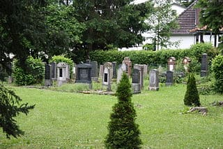 schöne günstige Grabsteine in Lauterbach (Hessen) Steinmetz Urnengrab Einzelgrab Doppelgrabstein schöne Grabmäler