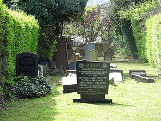 schöne günstige Grabsteine in Linden Steinmetz Urnengrab Einzelgrab Doppelgrabstein schöne Grabmäler