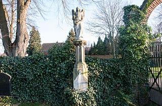 Kerpen-Friedhof-engel