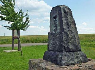 schöne günstige Grabsteine in Hartha Steinmetz Urnengrab Einzelgrab Doppelgrabstein schöne Grabmäler