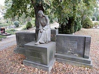 schöne günstige Grabsteine in Thale Steinmetz Urnengrab Einzelgrab Doppelgrabstein schöne Grabmäler