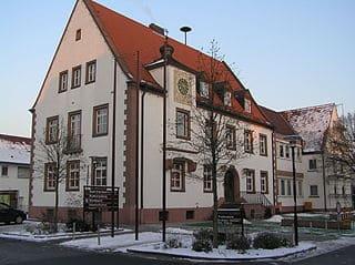 schöne günstige Grabsteine in Erlenbach a. Main Steinmetz Urnengrab Einzelgrab Doppelgrabstein schöne Grabmäler