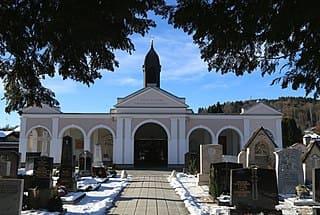 schöne günstige Grabsteine in Prien am Chiemsee Steinmetz Urnengrab Einzelgrab Doppelgrabstein schöne Grabmäler