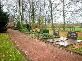 Bergkamen-Friedhof-heil2