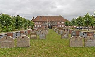 schöne günstige Grabsteine in Wittstock/Dosse Steinmetz Urnengrab Einzelgrab Doppelgrabstein schöne Grabmäler