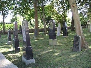 schöne günstige Grabsteine in Anklam Steinmetz Urnengrab Einzelgrab Doppelgrabstein schöne Grabmäler