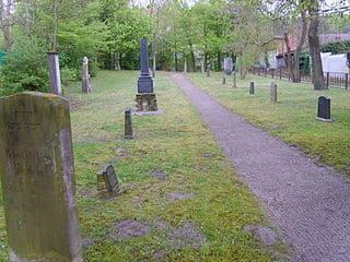 schöne günstige Grabsteine in Demmin Steinmetz Urnengrab Einzelgrab Doppelgrabstein schöne Grabmäler