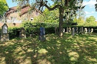 schöne günstige Grabsteine in Haren (Ems) Steinmetz Urnengrab Einzelgrab Doppelgrabstein schöne Grabmäler