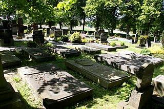 schöne günstige Grabsteine in Moormerland Steinmetz Urnengrab Einzelgrab Doppelgrabstein schöne Grabmäler
