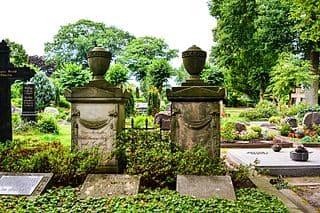 schöne günstige Grabsteine in Walsrode Steinmetz Urnengrab Einzelgrab Doppelgrabstein schöne Grabmäler