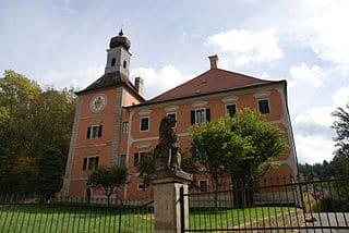 schöne günstige Grabsteine in Wenzenbach Steinmetz Urnengrab Einzelgrab Doppelgrabstein schöne Grabmäler