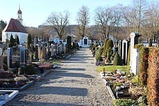 schöne günstige Grabsteine in Ottobeuren Steinmetz Urnengrab Einzelgrab Doppelgrabstein schöne Grabmäler