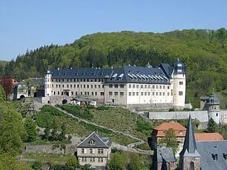 Südharz-grabsteine-steinmetz-bestattungen-friedhof