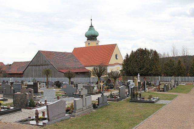 schöne günstige Grabsteine in Vohenstrauß Steinmetz Urnengrab Einzelgrab Doppelgrabstein schöne Grabmäler