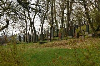 schöne günstige Grabsteine in Bad Schwalbach Steinmetz Urnengrab Einzelgrab Doppelgrabstein schöne Grabmäler