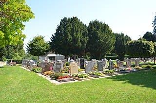 schöne günstige Grabsteine in Nauheim Steinmetz Urnengrab Einzelgrab Doppelgrabstein schöne Grabmäler