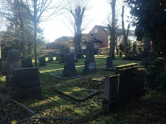 schöne günstige Grabsteine in Geldern Steinmetz Urnengrab Einzelgrab Doppelgrabstein schöne Grabmäler