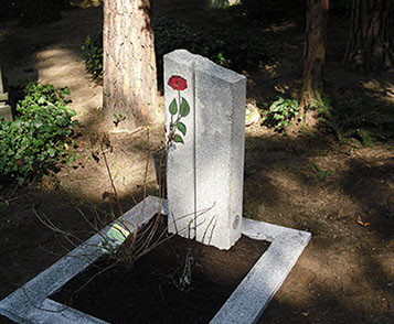 Urnengrabsteine mit Gravur Rose stehend günstig