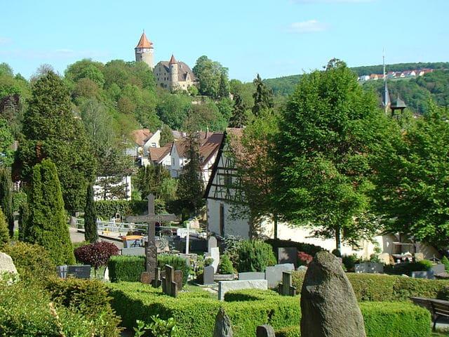 schöne günstige Grabsteine in Möckmühl Steinmetz Urnengrab Einzelgrab Doppelgrabstein schöne Grabmäler