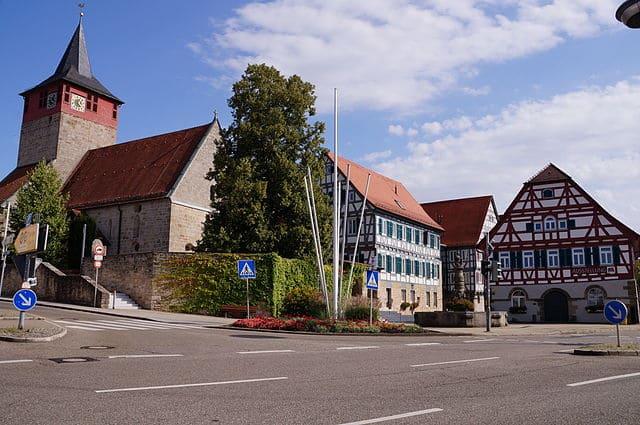 schöne günstige Grabsteine in Winterbach Steinmetz Urnengrab Einzelgrab Doppelgrabstein schöne Grabmäler