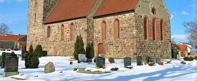 schöne günstige Grabsteine in Löwenberger Land Steinmetz Urnengrab Einzelgrab Doppelgrabstein schöne Grabmäler