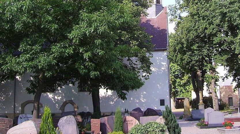 schöne günstige Grabsteine in Böhl-Iggelheim Steinmetz Urnengrab Einzelgrab Doppelgrabstein schöne Grabmäler