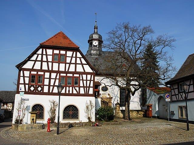 schöne günstige Grabsteine in Wörrstadt Steinmetz Urnengrab Einzelgrab Doppelgrabstein schöne Grabmäler