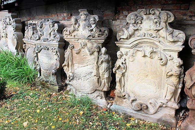 schöne günstige Grabsteine in Allstedt Steinmetz Urnengrab Einzelgrab Doppelgrabstein schöne Grabmäler