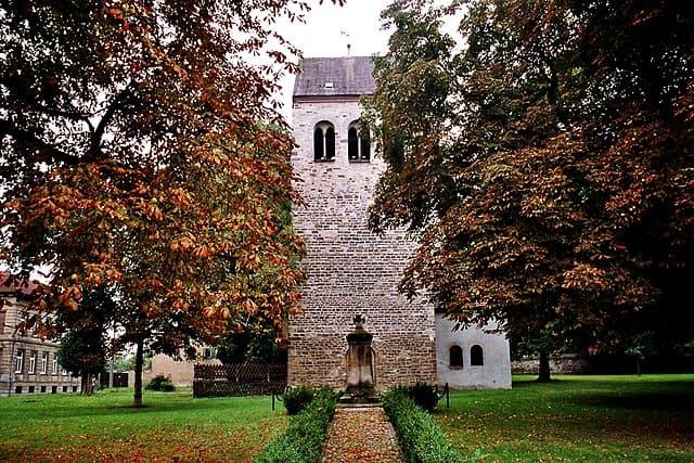 schöne günstige Grabsteine in Bördeland Steinmetz Urnengrab Einzelgrab Doppelgrabstein schöne Grabmäler
