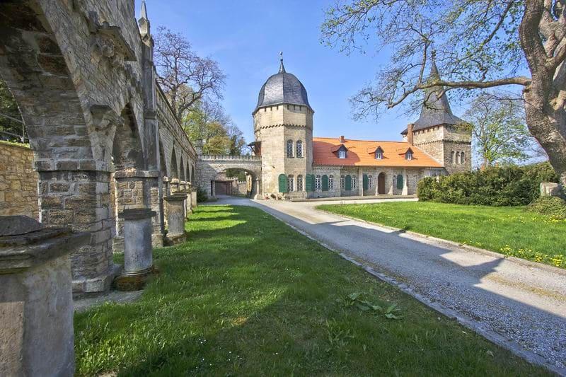 schöne günstige Grabsteine in Huy Steinmetz Urnengrab Einzelgrab Doppelgrabstein schöne Grabmäler
